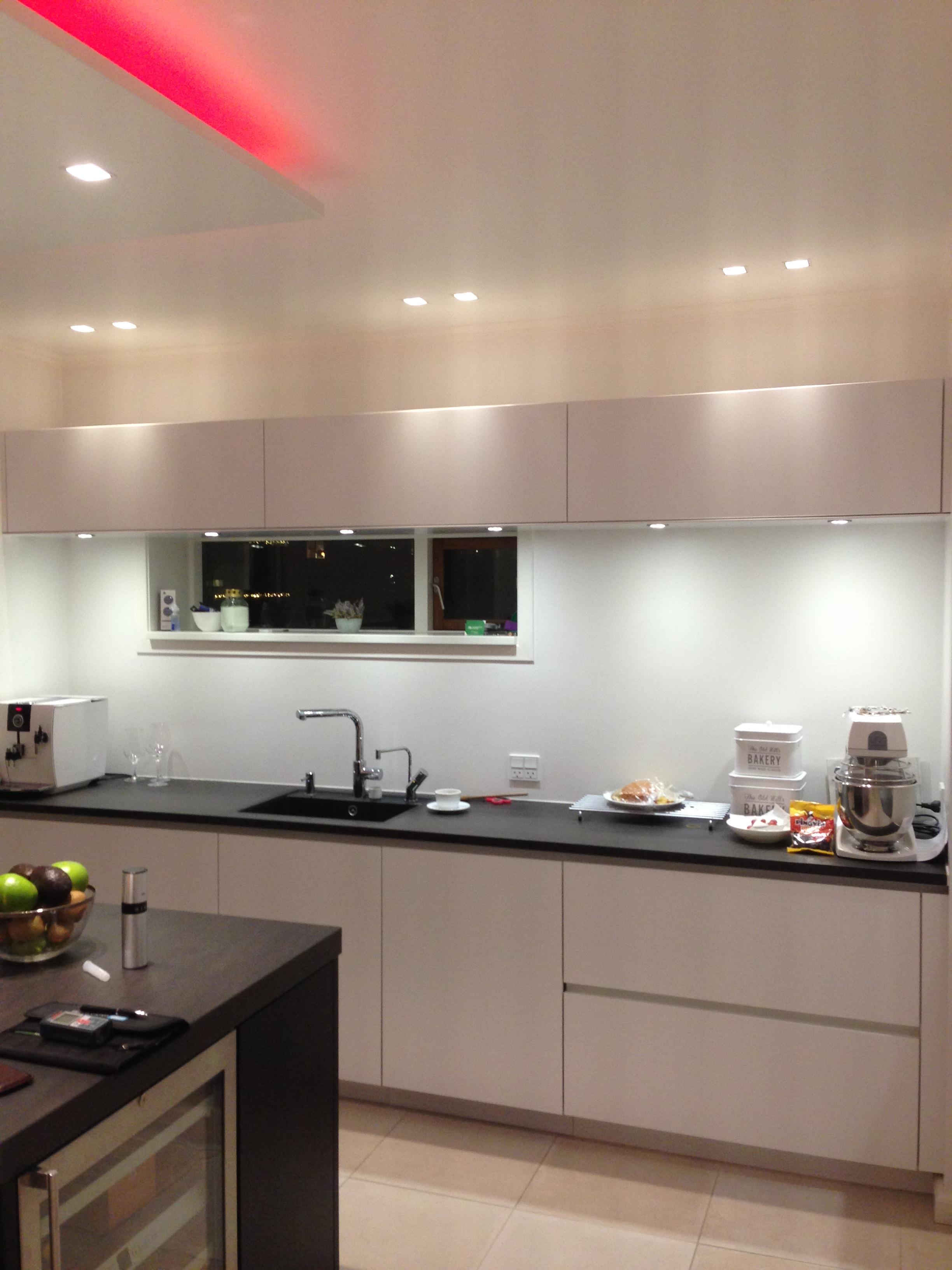 fliser i køkken Anmeldelse af Murermester Bastian   Montering af fliser i køkken  fliser i køkken