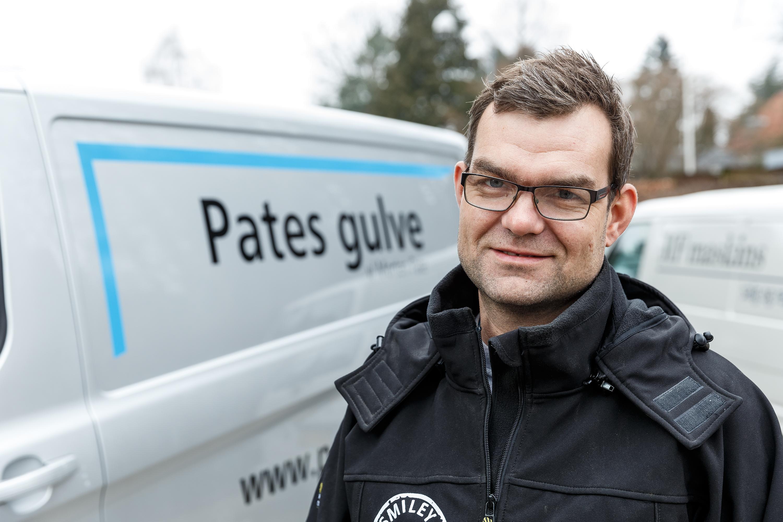 Pates Gulve V. Morten Pate - Juryens Darling, Maler, Lakerere - Søborg